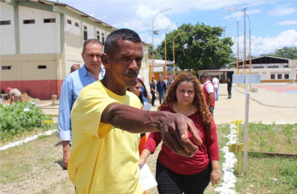 Ministra Iris Varela inspeccionó centros en los Valles del Tuy